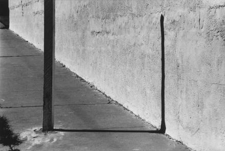 Ellsworth Kelly, Sidewalk, Los Angeles (1978), photo courtesy Matthew Marks Gallery