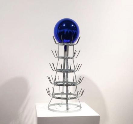 Jeff Koons, Gazing Ball (Bottlerack) (2016)